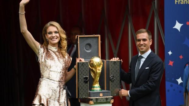 「FIFAワールドカップロシア」のトロフィーケース