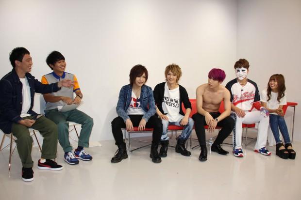 LINE LIVE ゴールデンボンバー1