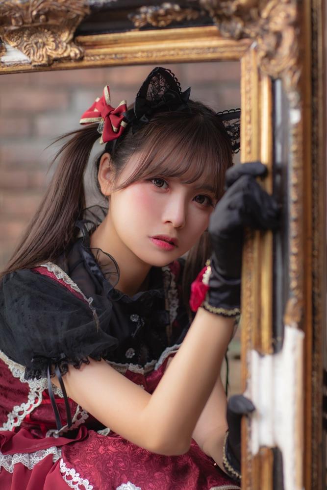 【コミケ95】中国人コスプレイヤー「リーユウ」がロリータ写真集 5000年に1人の逸材