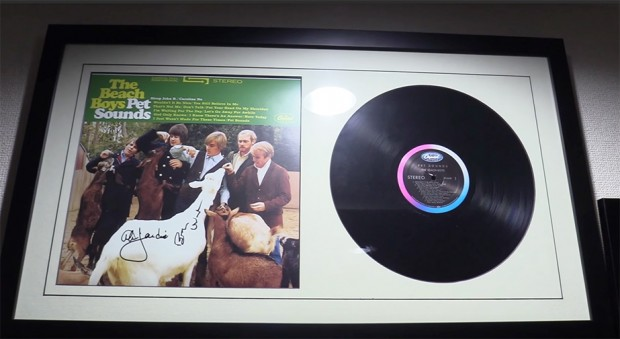 ブライアン・ウィルソンさんがサインしてくれたというザ・ビーチボーイズのレコード