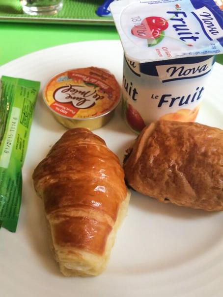 フランス滞在2日目「ホテルの朝ご飯は超うまかった!!」