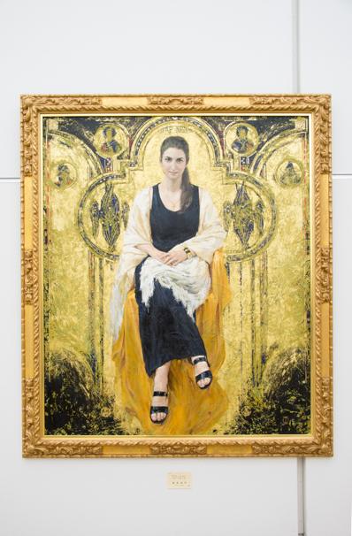 「日展」で展示中の藤森兼明さんによる「アドレーション パラ ドオーロ」