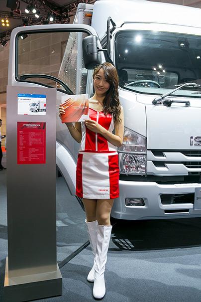 「東京モーターショー2015」美人コンパニオン画像まとめ15