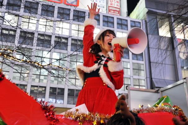 これが渋谷のクリスマスイヴや! 美人サンタにイケメントナカイ画像まとめ