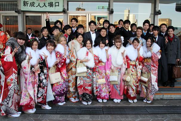 【祝】渋谷の成人式に潜入! 振袖に紋付袴…元気な新成人が大集合