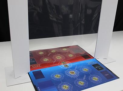 """ブシロード、カードゲーム用の""""壁""""を開発 新型コロナで店舗へ「TCGウォール」提供"""