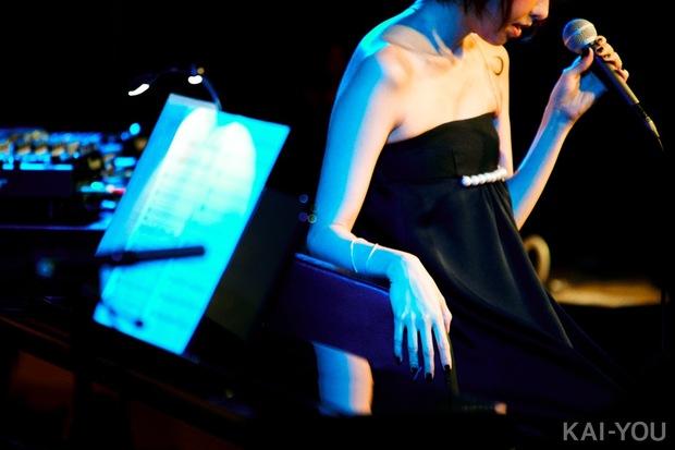 EMMA HAZY MINAMI デビュー1周年記念ライブレポート
