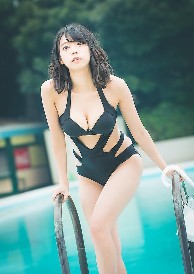 青山ひかるさんの水着グラビア写真6