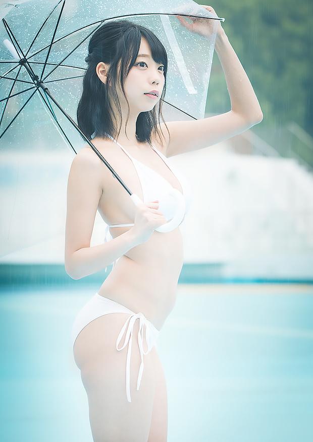 青山ひかるさんの水着グラビア写真20