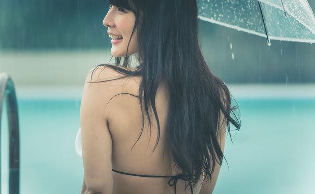 川崎あやさんの水着グラビア写真13