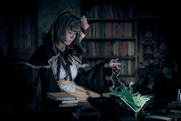 本を開く「シノアリス」いばら姫