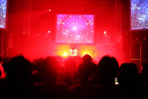 DJ MANJIROさん