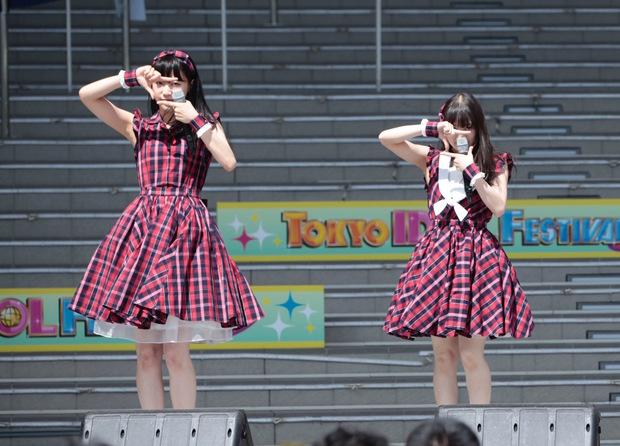 (左から)佐藤乃々子さん、宇野友恵さん