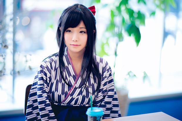 くろねこさんが着用しているのは袴が特徴的な「ハイカラさんルームウェア」