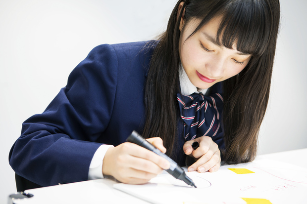 アイコとユウタを描く福田さん