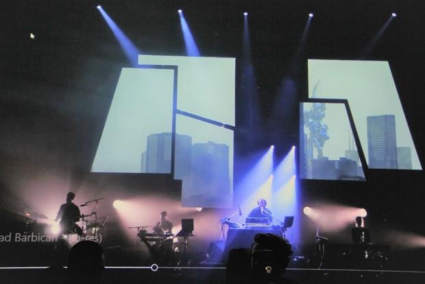 会場で公開された「M.Y.R.I.A.D.」のライブ映像