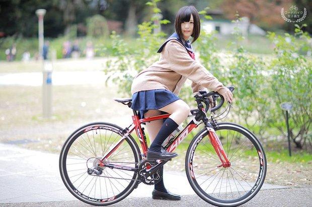 女子高生の通学自転車がロードバイクだったら