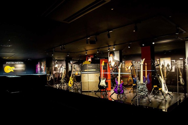 "「B'z 30th Year Exhibition ""SCENES"" 1988-2018」"