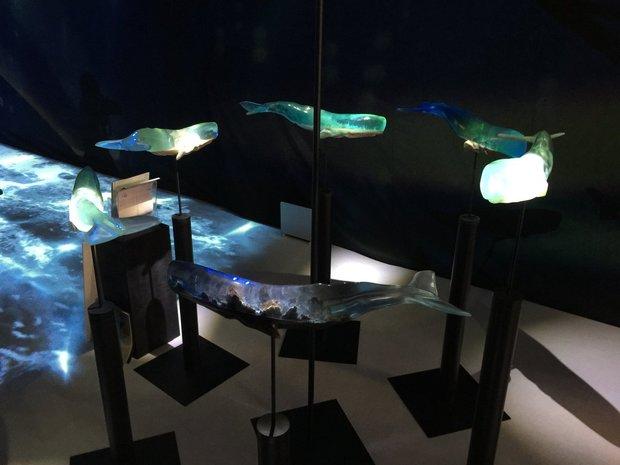 山田勇魚「樹脂クジラ」