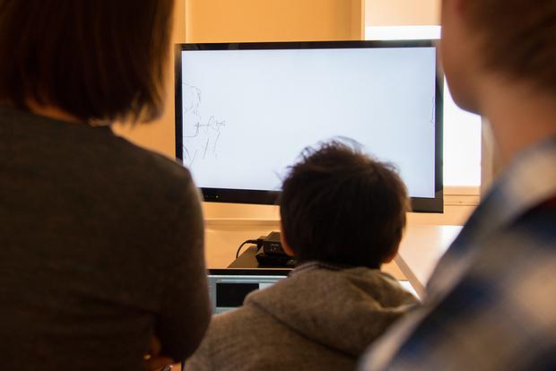 窪之内英策 × 駅すぱあと 手描きアニメ『サヨとコウの出発』イラスト制作&撮影風景4