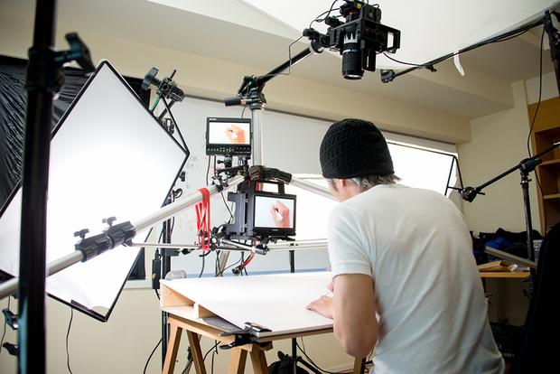 窪之内英策 × 駅すぱあと 手描きアニメ『サヨとコウの出発』イラスト制作&撮影風景5