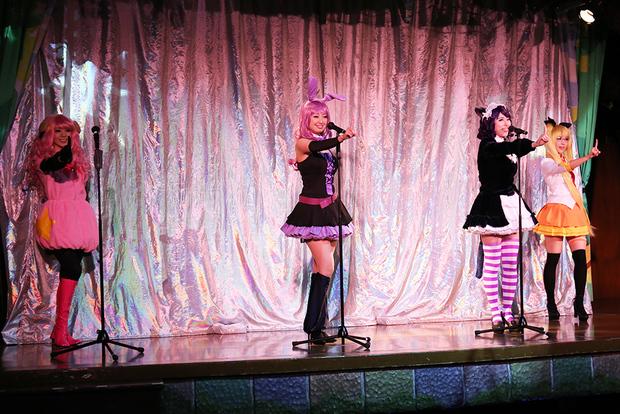 宝塚OGが結成した「こすぷれ歌劇団」による『SHOW BY ROCK!!』スペシャルステージ