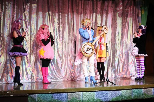 宝塚OGが結成した「こすぷれ歌劇団」による『SHOW BY ROCK!!』スペシャルステージ1