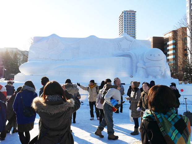 さっぽろ雪まつり_北海道新幹線の大雪像