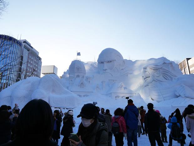 さっぽろ雪まつり_進撃の巨人の大型雪像