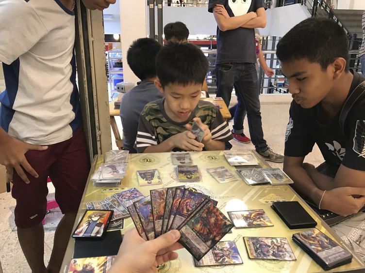 カードゲーマーが海外に目を向けるべき理由:TCGの可能性を検証する旅行記 in 東南アジア!