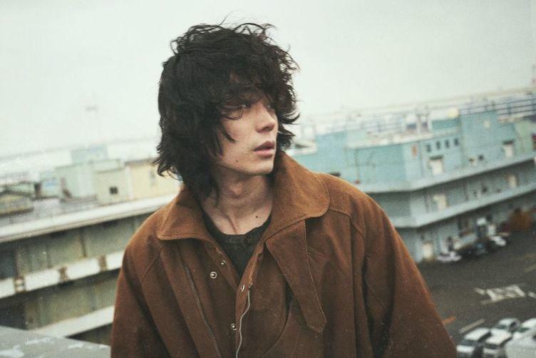 菅田将暉、28歳の誕生日に初のオンラインライブ 「ANN」で新曲を初解禁も