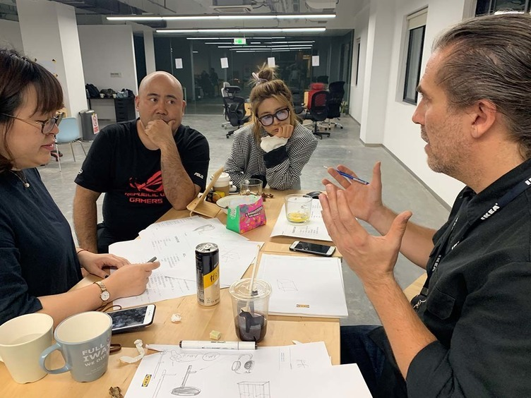 IKEAとASUS、ゲーミング家具を共同開発 世界で盛り上がる「ゲーム用○○」