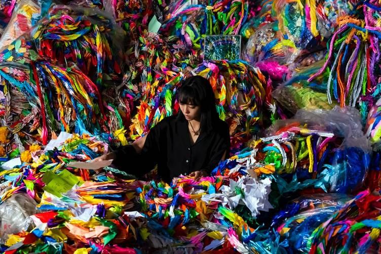 アート集団 Chim↑Pomがニューヨークで個展 核の脅威に焦点