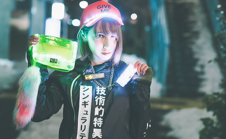 人生マジ卍!? ギャルの電子工作ユニット・ギャル電が美女を光らせてみた!