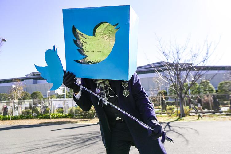 【事件】Twitterのコスプレイヤー現る 「コミケ95」のダークホース