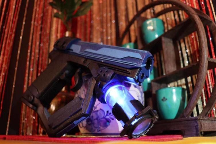 SFに出てきそうなサイバー銃 ロマンあふれるおもちゃ武器