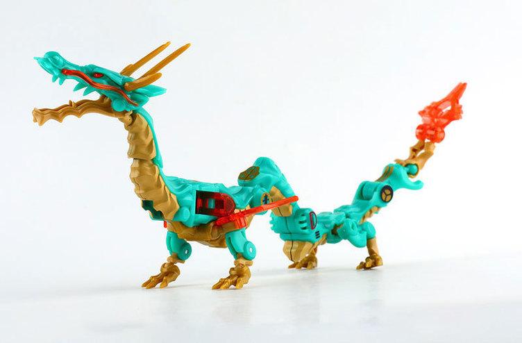 キューブが龍に変形! 中国の人気フィギュアを金属造形作家・坪島悠貴がデザイン
