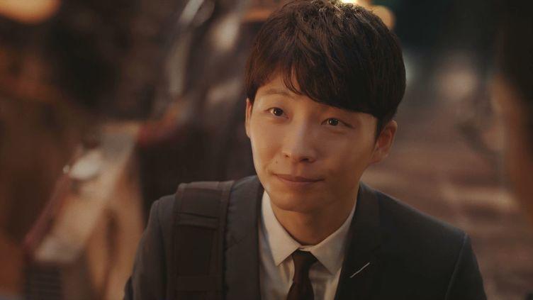星野源プロデューサーになる おそ松さんら新旧キャラ勢揃いのドコモ新CM