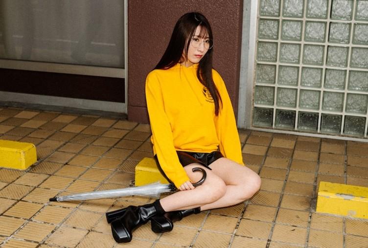 【写真】癒し声のセクシー女優 日下部加奈「ASMRでサバゲーしたい」