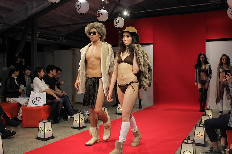 ふんどし姿の美男美女がランウェイ…世界初「ふんどしファッションショー」レポ