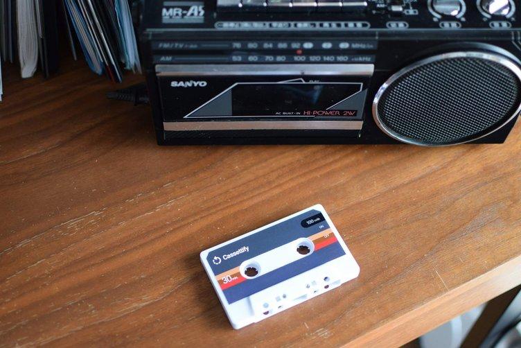 「カセットテープでストリーミング音楽が聴ける」…とは?