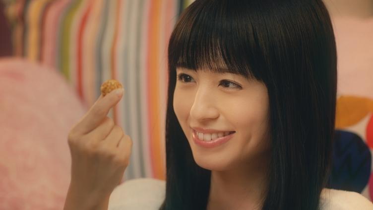 声優 逢田梨香子さん、パジャマ姿で悶絶 「最高の美女」がCMに