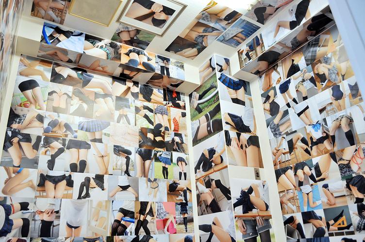 「ふともも写真の世界展」レポ 狂気すら感じる360度ふとももの世界!