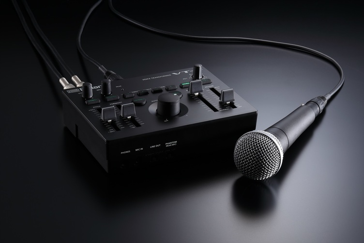 ローランド、VTuber市場に参入? リアルタイムで音声加工できる機材がすごい
