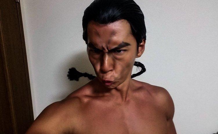 小林弁護士の烈海王コスがガチで烈海王 研鑽を積まれた圧倒的筋肉