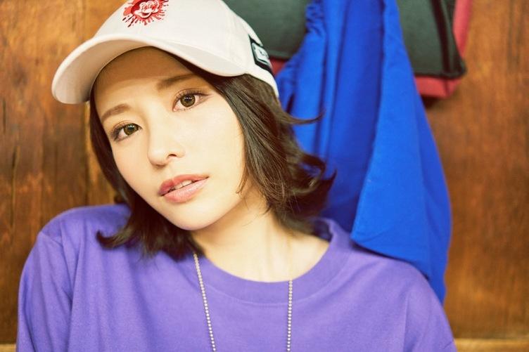 【写真】眉目秀麗なセクシー女優 伊藤舞雪「たくあんを肴に晩酌」