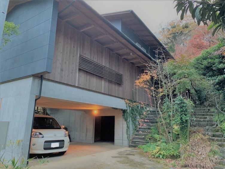 うすた京介、北鎌倉豪邸の買い手を募集「もう2年半以上売れていない」