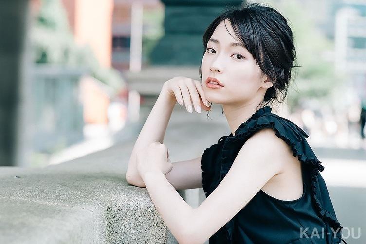 【写真】涼しげな正統派美人・村松華奈 澄まし顔と笑顔のギャップはマリアナ海溝