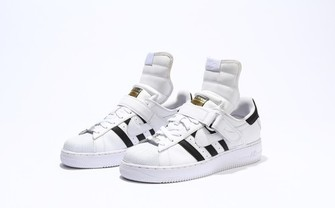 「NIKEAIR FORCE 1」と「adidas SUPERSTAR」が合体! なんだこれ?